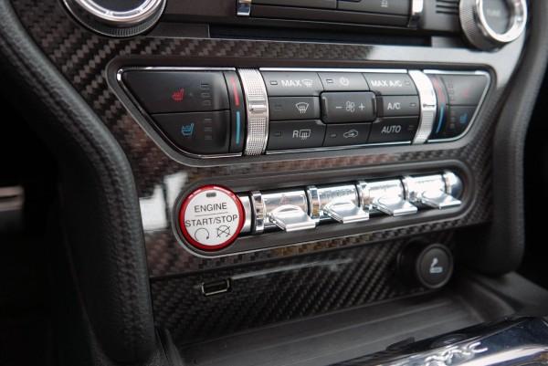 Ford Mustang Carbon Blende Mittelkonsole